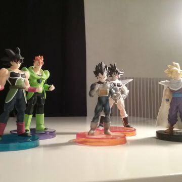 Lot 4 figurines Dragon Ball Real Works