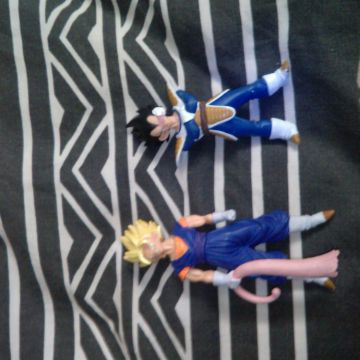 lot 67 figurines dragon ball