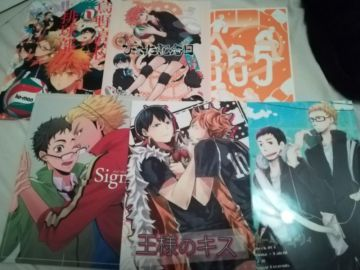 Lot de 6 doujinshi Haikyû