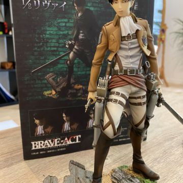 Figurine levi attack on titan