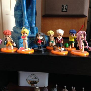 Lot de 9 mini figurines de Fate stay night