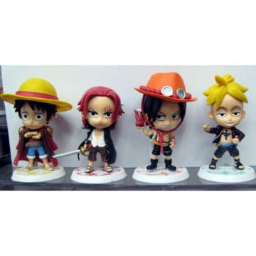 4 Figurines One Piece